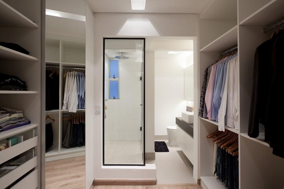 60+ Closets com Banheiros Integrados  Fotos Lindas! -> Closet Pequeno Com Banheiro