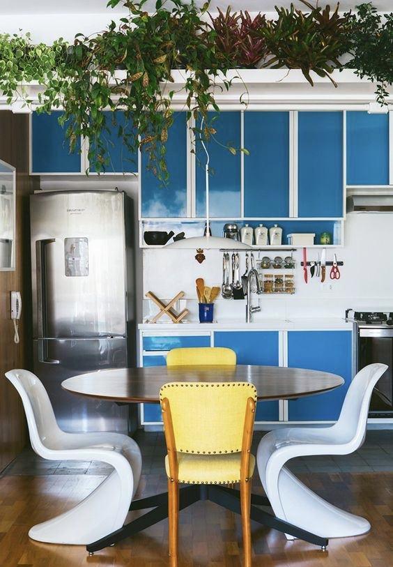 Cozinha azul: plantas levam um outro visual para a cozinha