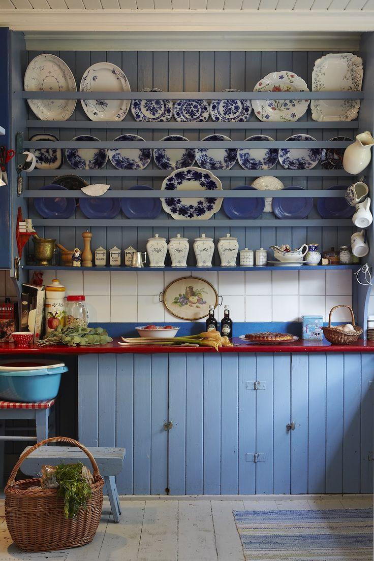 Cozinha azul para quem ama um estilo rústico