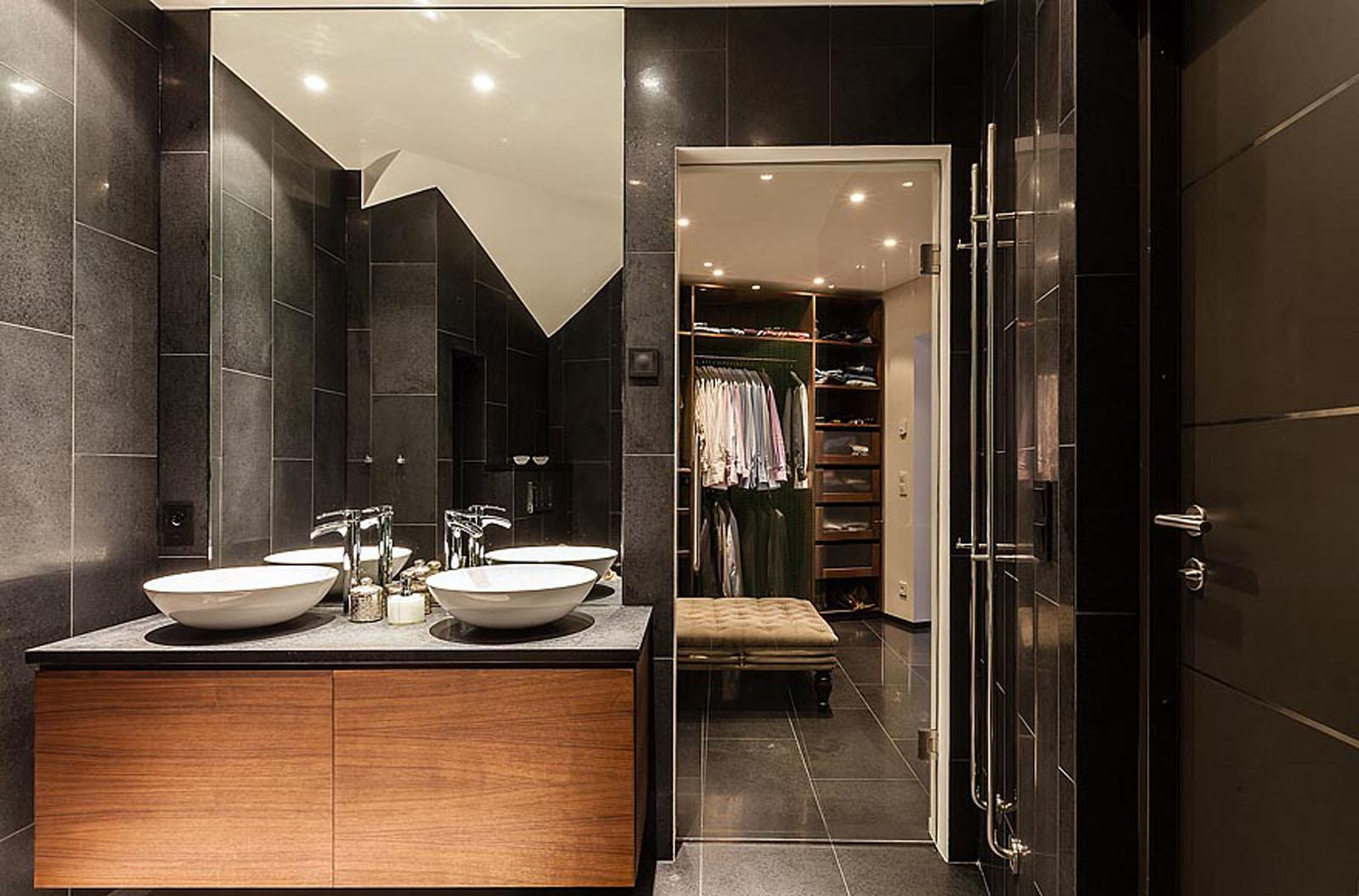 60  Closets com Banheiros Integrados Fotos Lindas! #955B36 1600 1055