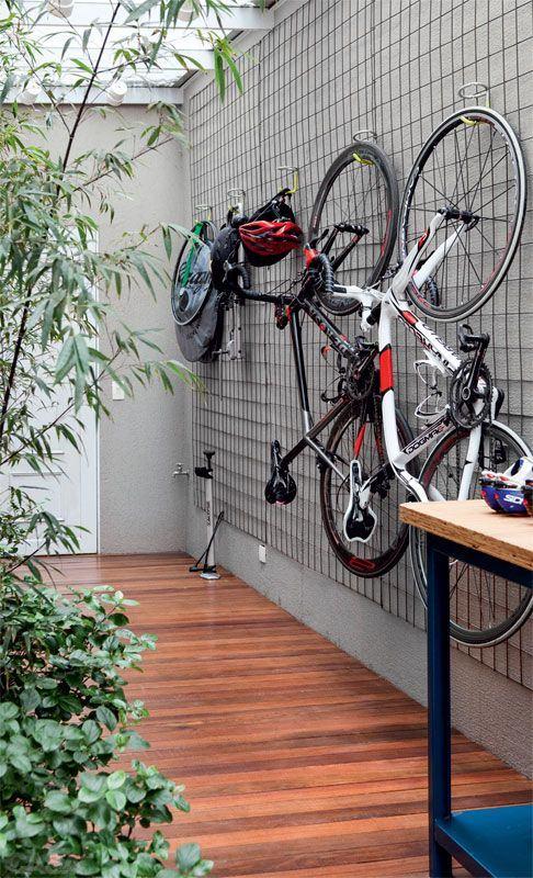 Muros decorados 60 projetos fotos ideias - Guardar bicicletas en poco espacio ...