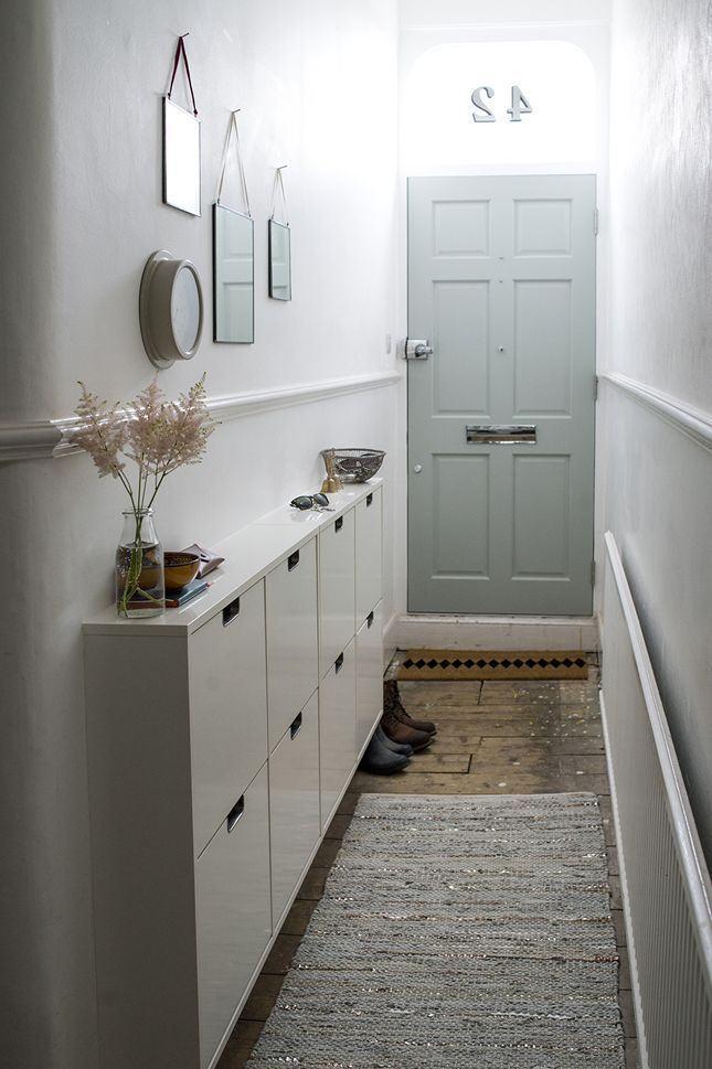 Para um hall com estilo corredor essa ideia se encaixa perfeitamente!