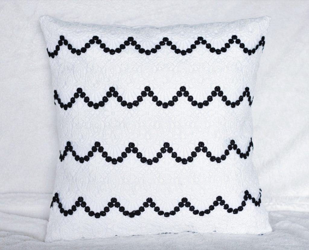 almofada-de-croche-branca-4