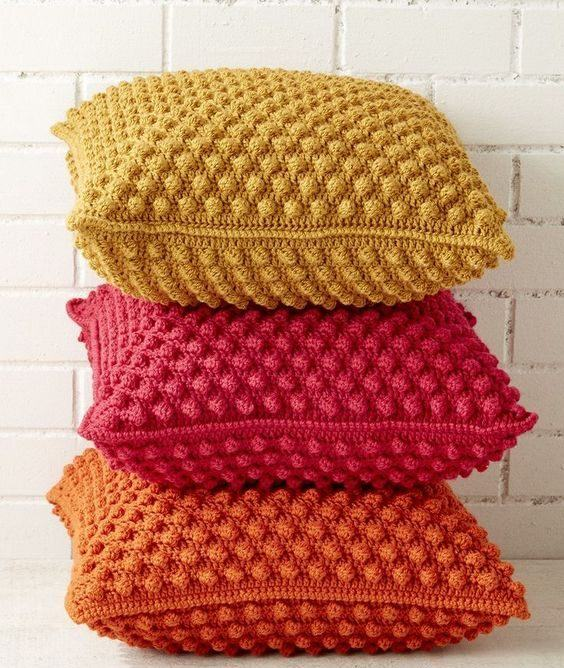 almofada-de-croche-colorida-15