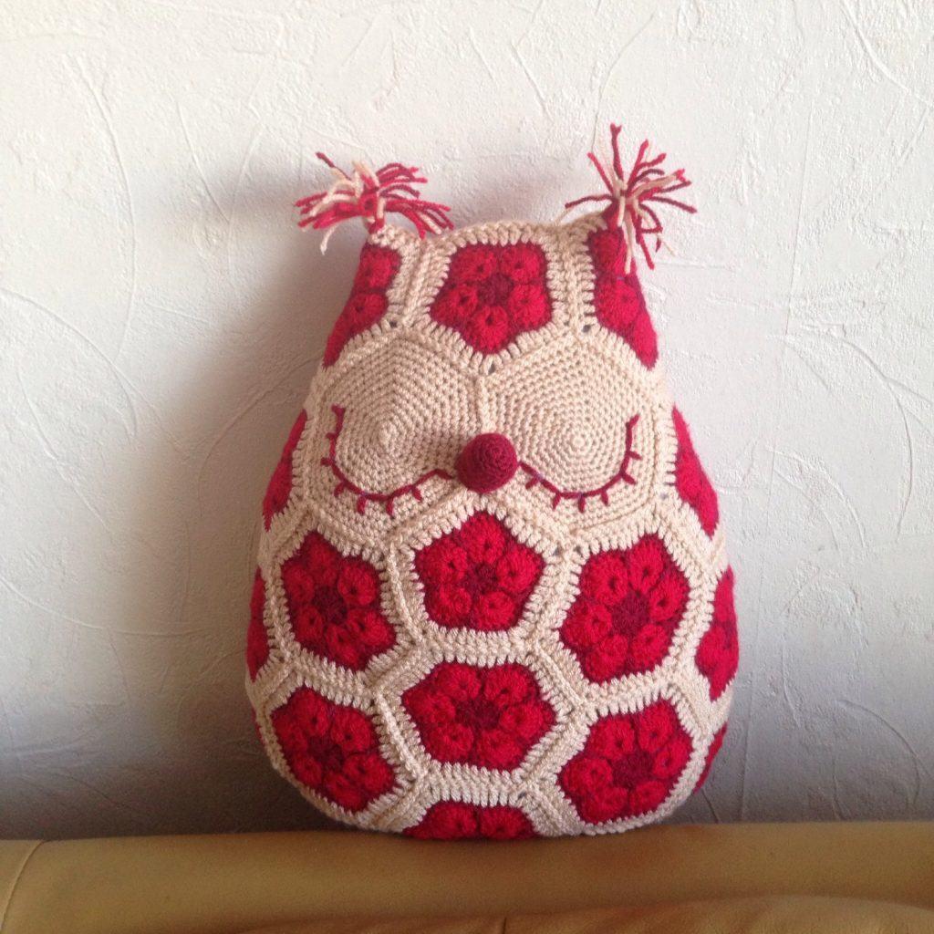 almofada-de-croche-com-desenho-8