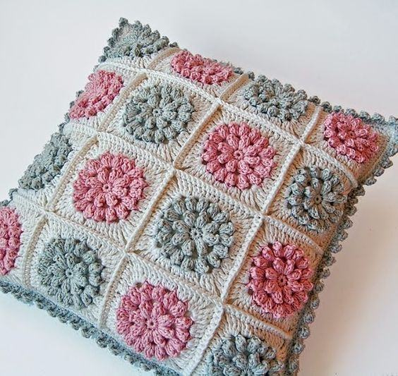 almofada-de-croche-com-flores-5