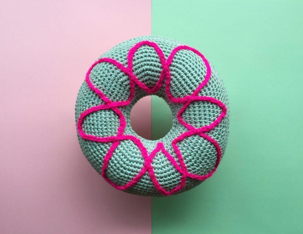 almofada-de-croche-redonda-1