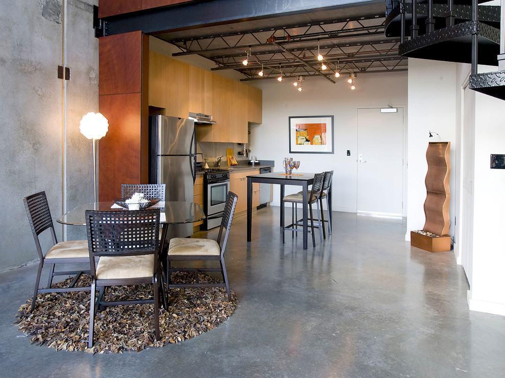 Sala De Jantar Com Tapete De Couro ~ Imagem 22 – Grande tapete redondo em sala de jantar com buffet