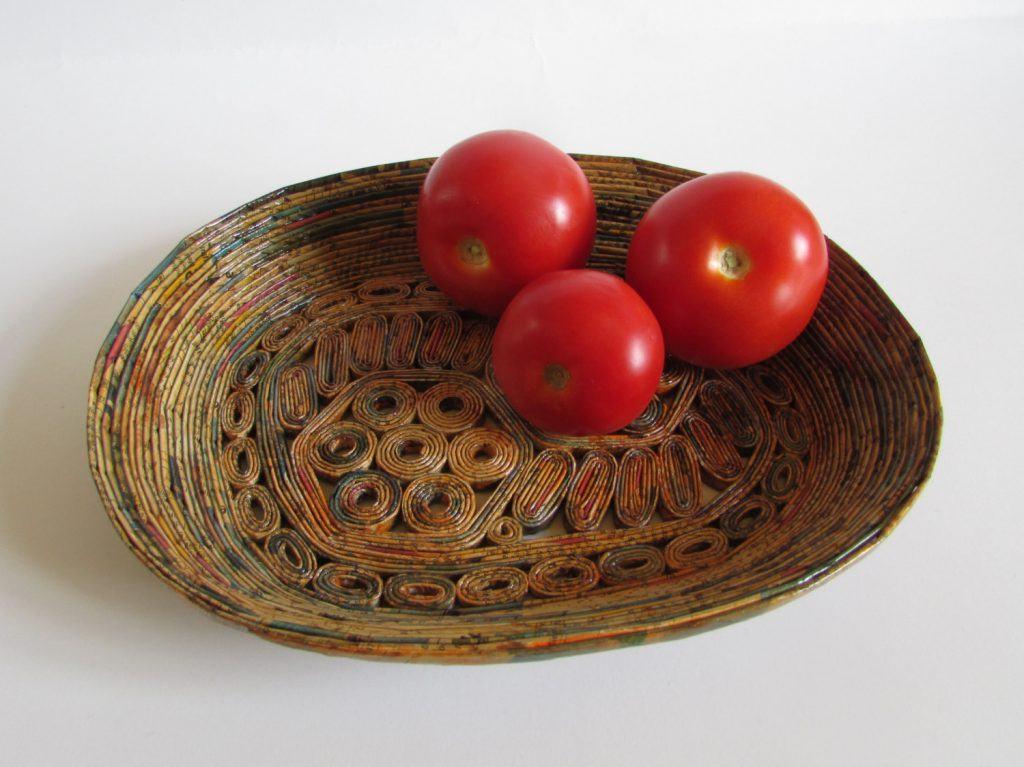 Cesto de frutas e verduras para mesa