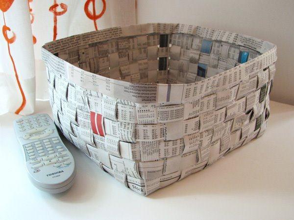 Caixa de jornal para guardar objetos da sala de TV