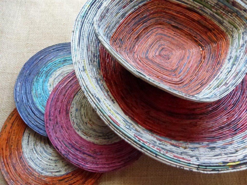 Mais opções de cestos coloridos para mesas