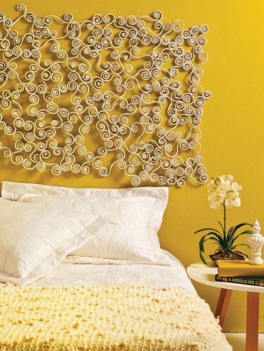 Artesanato de jornal para parede. Lindo contraste com a cor mostarda