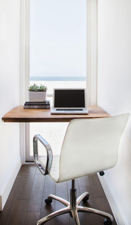 Home office pequeno com estilo minimalista