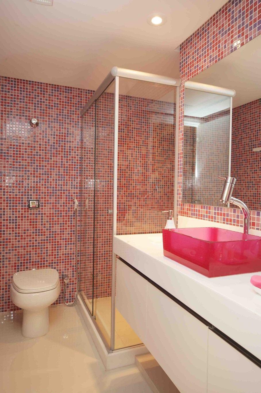 Banheiro Rosa 60+ Modelos & Fotos de Decoração -> Decoracao De Banheiro Com Bancada De Vidro