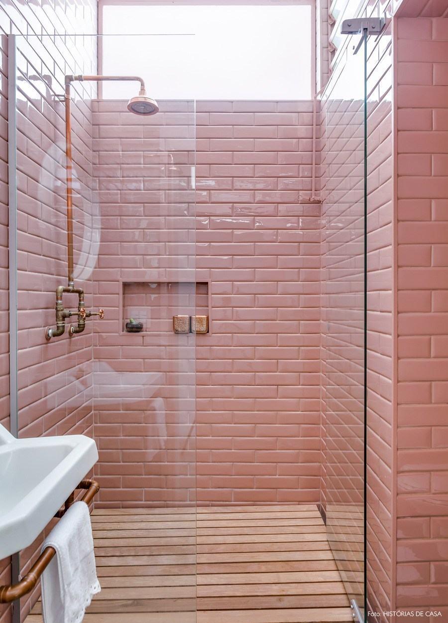 Resultado de imagem para banheiro rosa