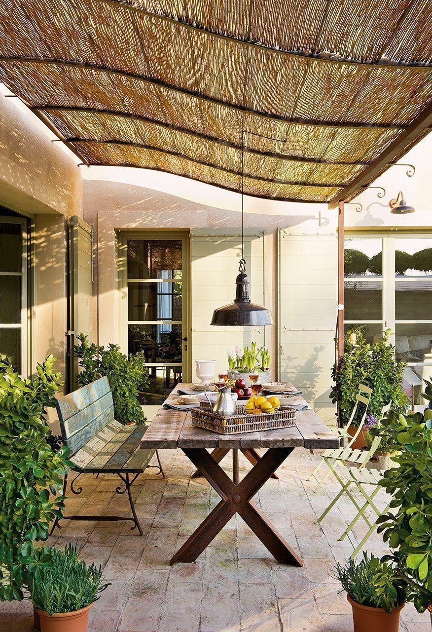 Pergolado de bambu 60 modelos fotos e como fazer for Comedor para terraza jardin
