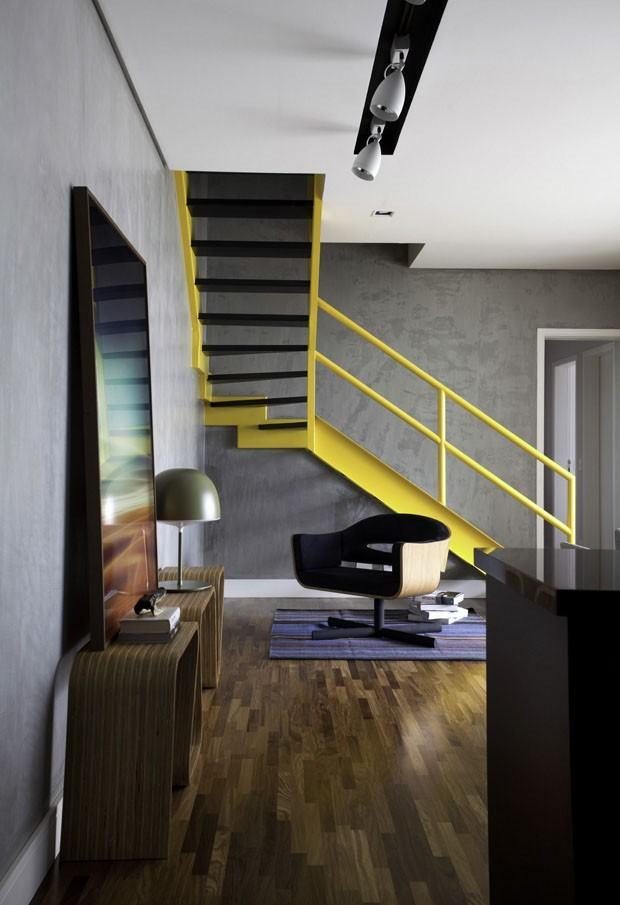 Sala com Escada: 60+ Ideias e Referências Incríveis!