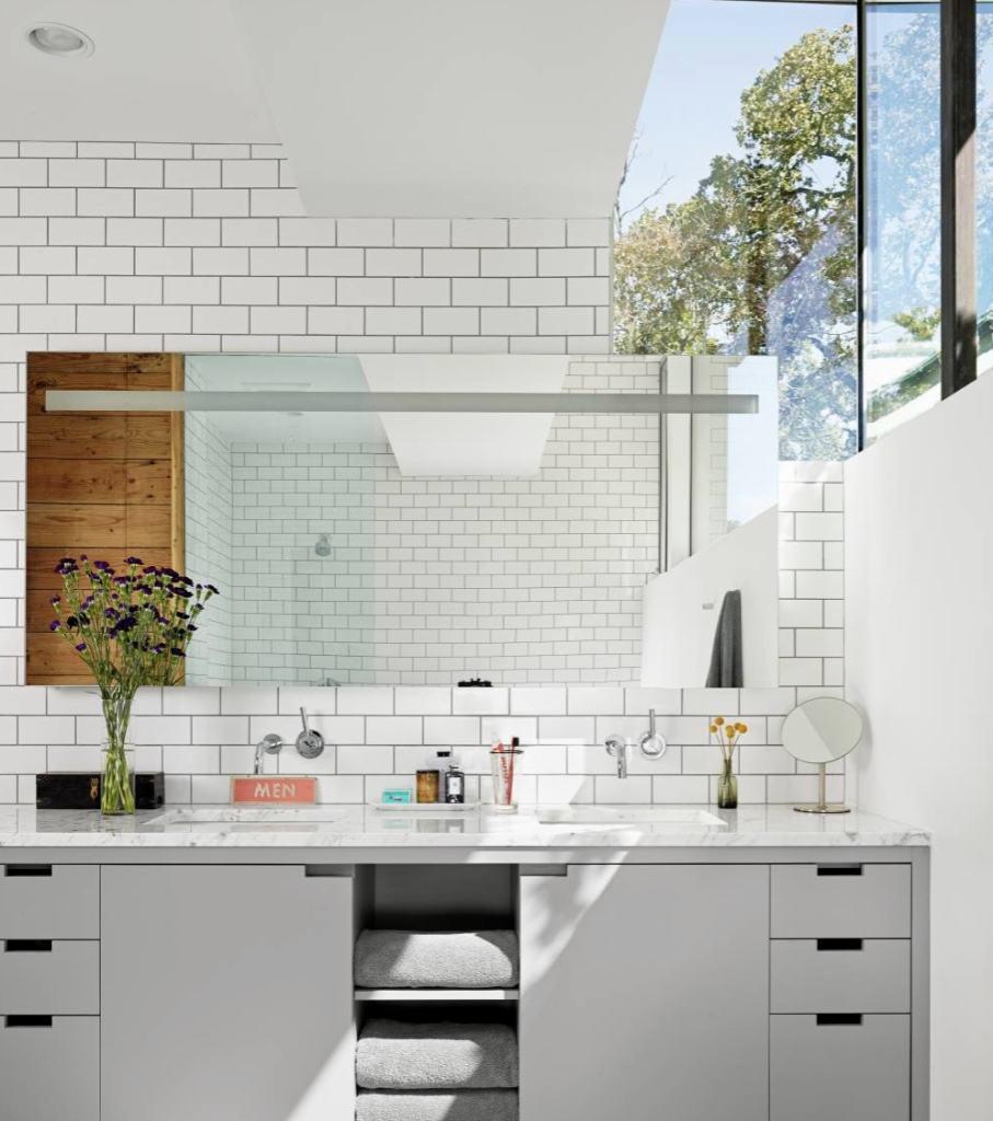 Banheiros Planejados 60+ Modelos e Fotos Incríveis! -> Armario De Banheiro Cinza