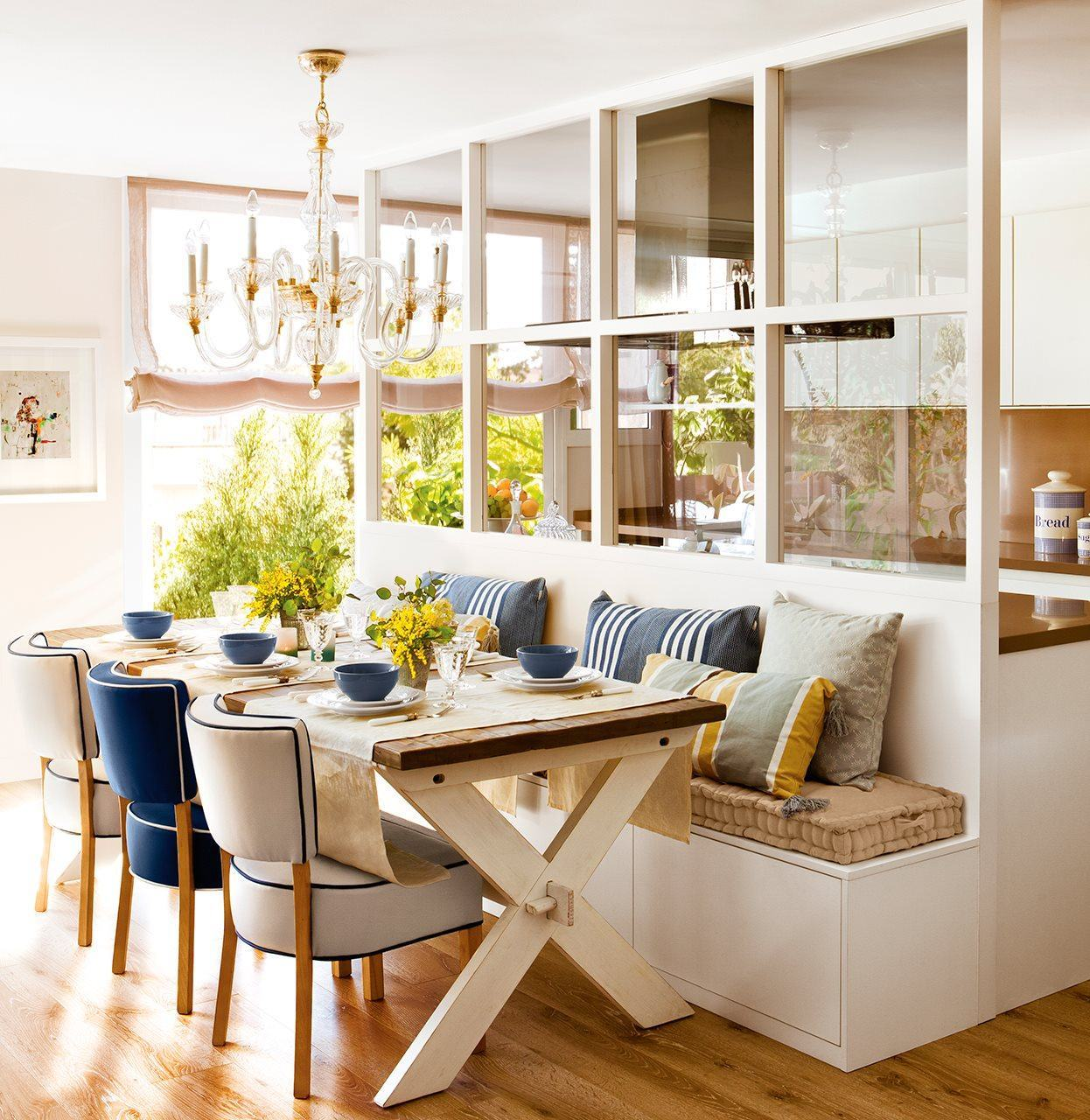 Foto comedor con asiento de madera de maribel mart nez 1624137 habitissimo - Banquetas para cocina ...