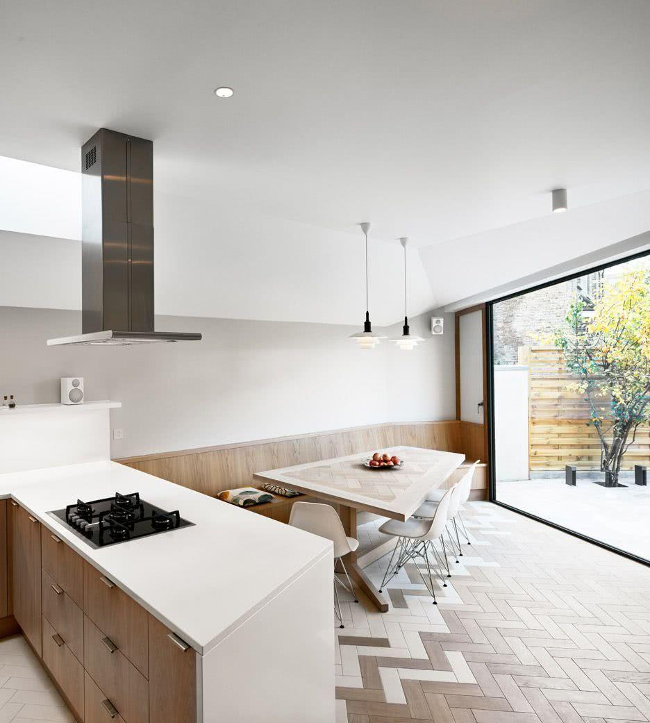 A paginação do piso é o grande diferencial dessa cozinha