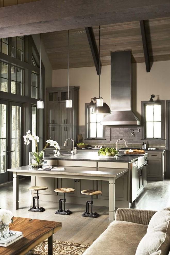 Cozinha rústica americana com detalhes na cor cinza