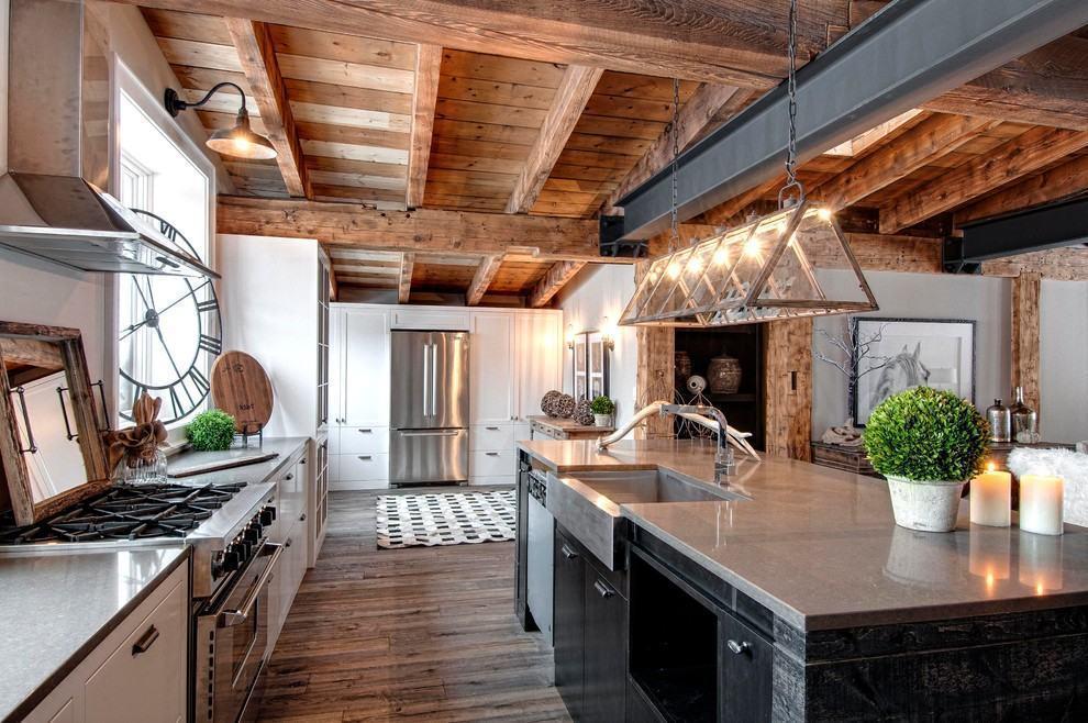 Cozinha rústica com toque clean