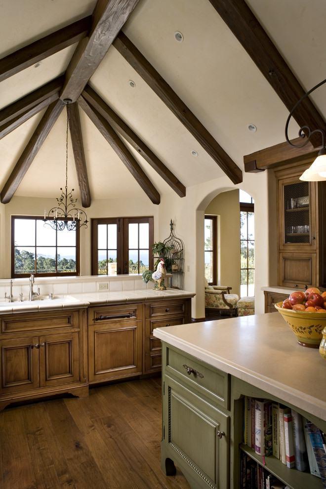 Cozinha rústica de casa de fazenda