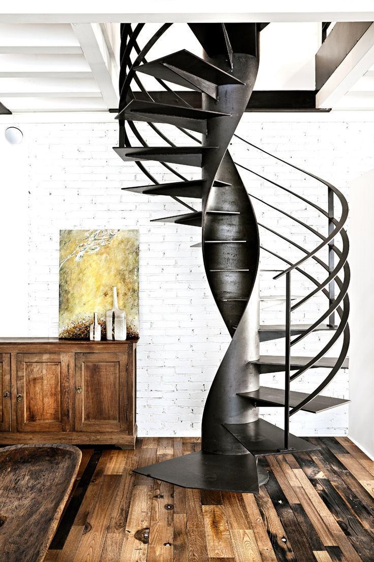 Escada caracol: conheça 75 ideias modernas com fotos para você se inspirar