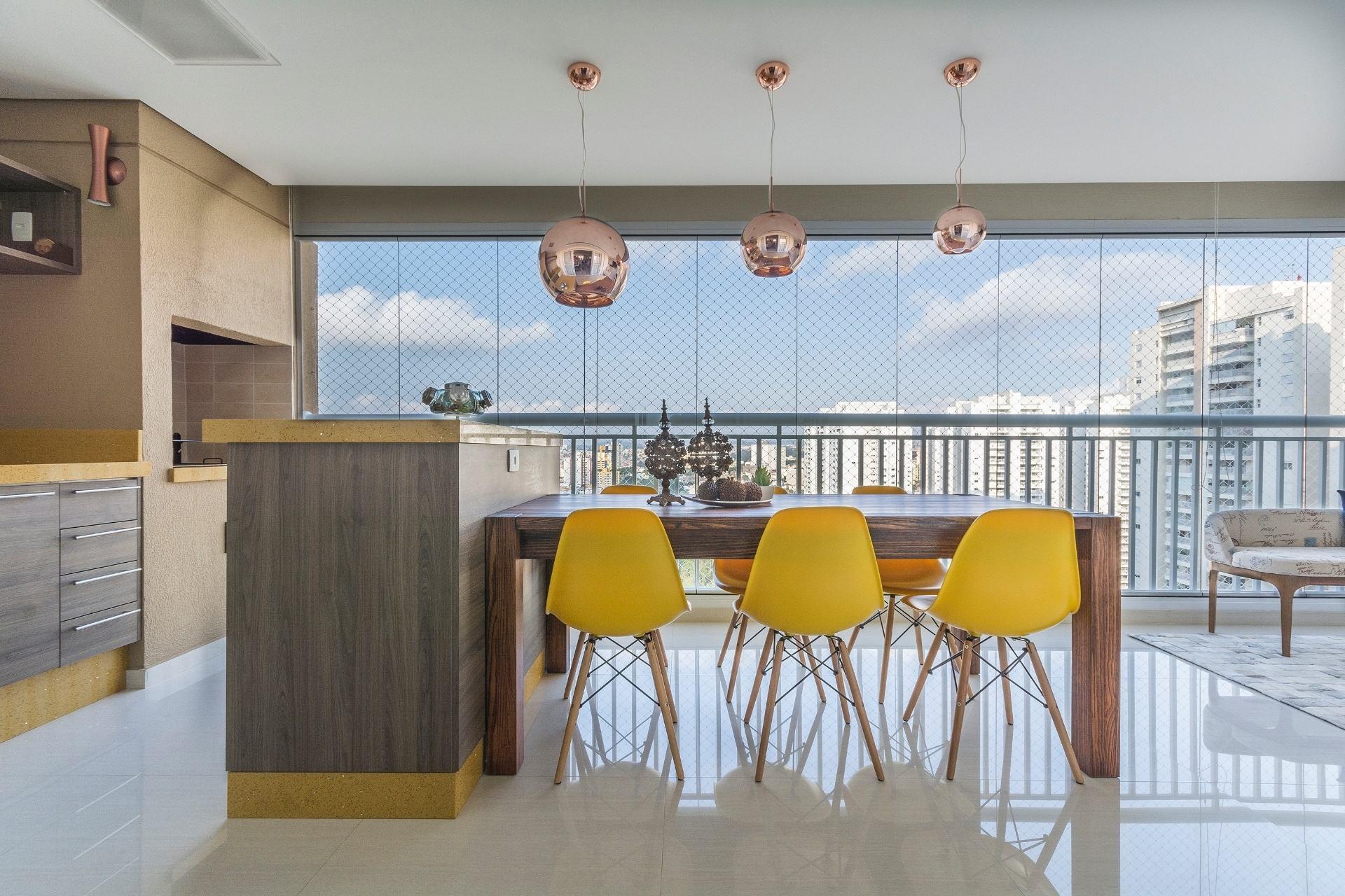 40 – Sala de estar com mesa de centro em madeira de demolição #AE881D 1920x1280