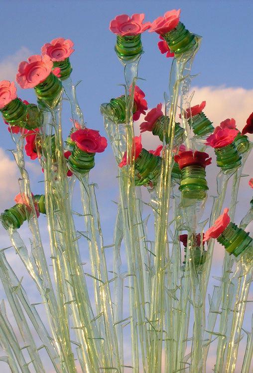 Flores de plástico com tampas de garrafa PET