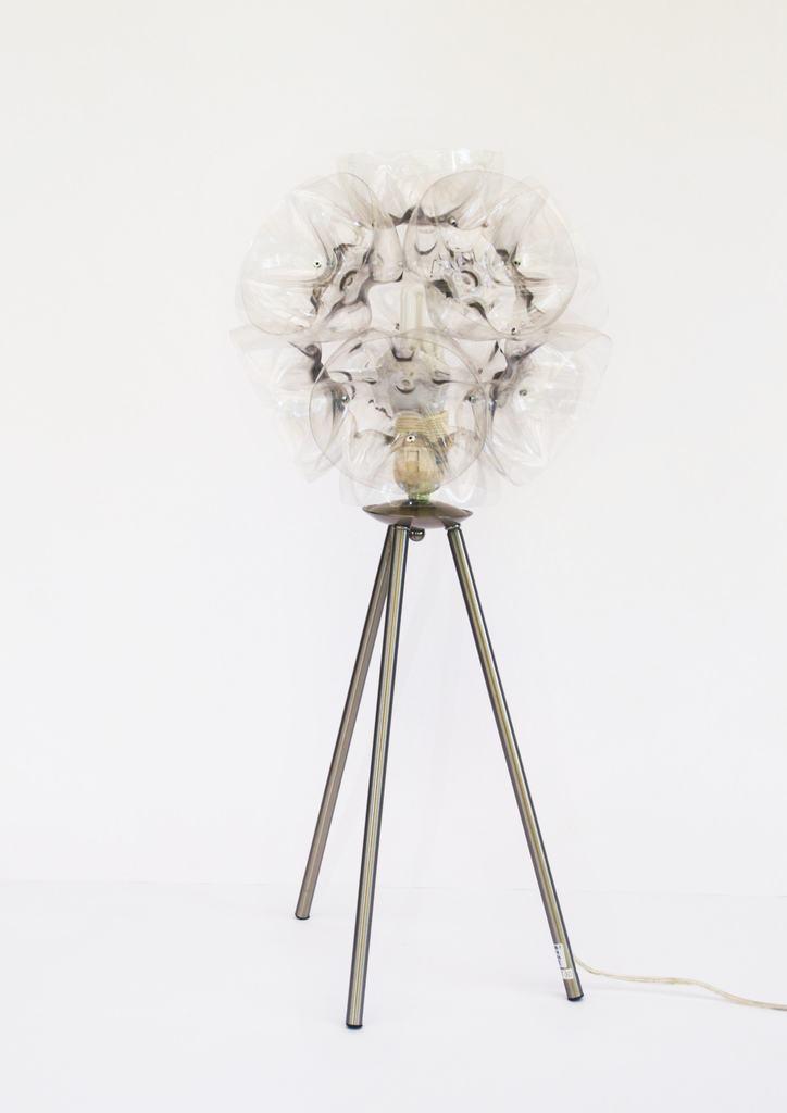 Lustre com bola de flores de garrafa PET