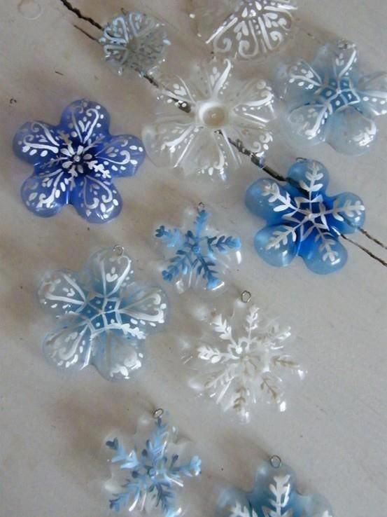 Decoração natalina em formato de flores para colocar na árvore
