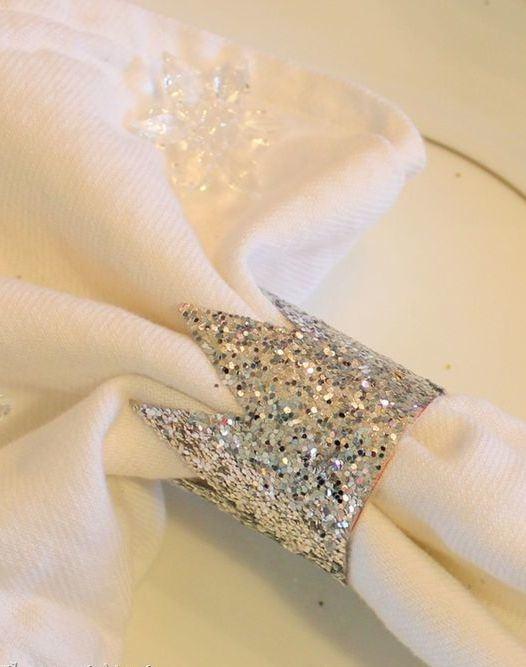 Porta guardanapo de rolo de papel com revestimento brilhante.