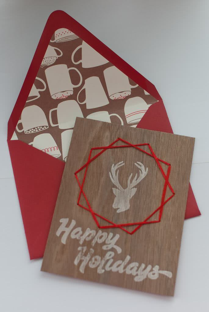 Cartão de Natal diferente feito em madeira.