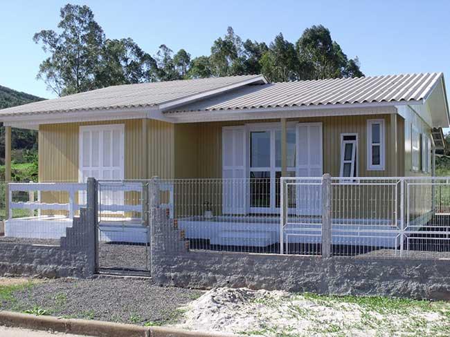Telhado em alumínio: uma opção barata para casas de madeira