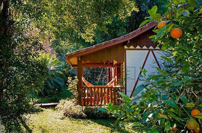 Aproveite para estender o espaço em casas de madeira