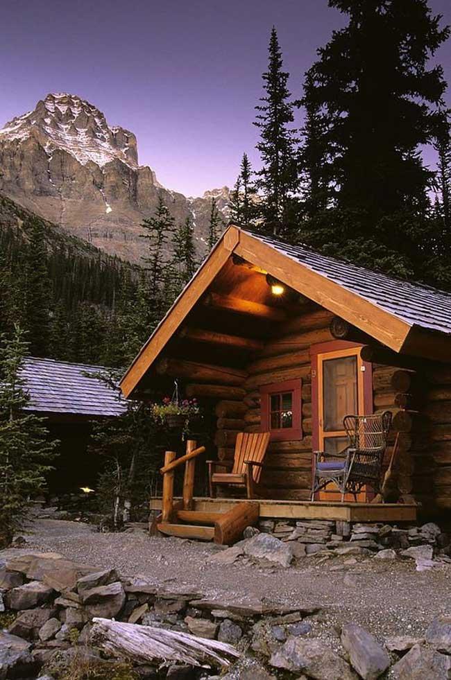 Cabana de madeira roliça