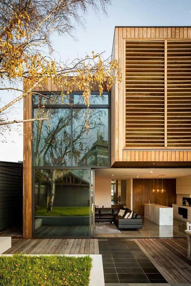 Os brises deixam a fachada mais moderna