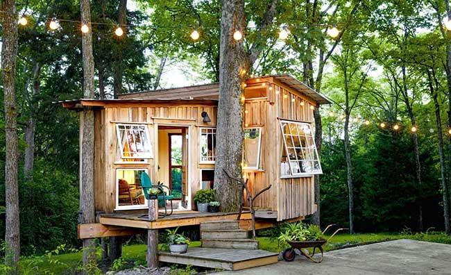 Casa de madeira charmosa e aconchegante