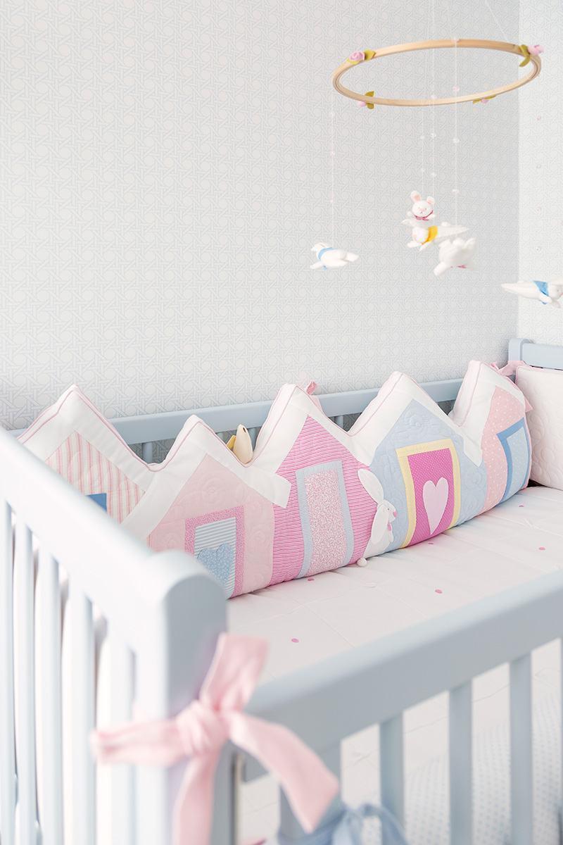Imagem 62 ? Detalhes delicados para um quarto de beb? rosa.