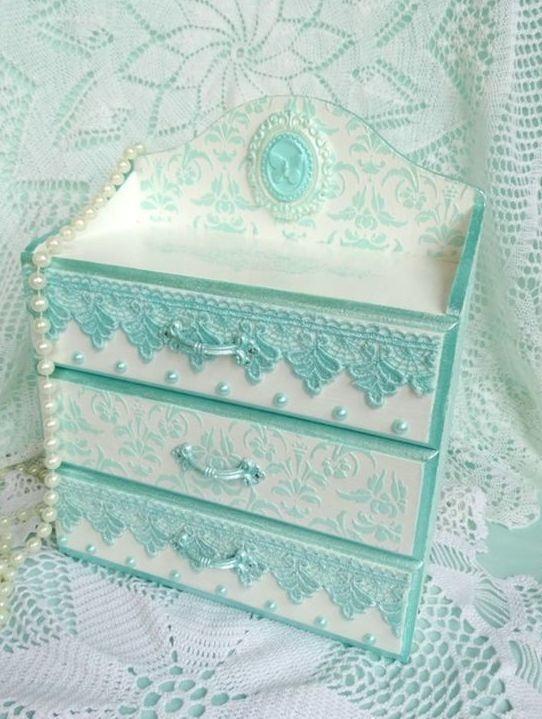 Porta bijuterias com gavetas