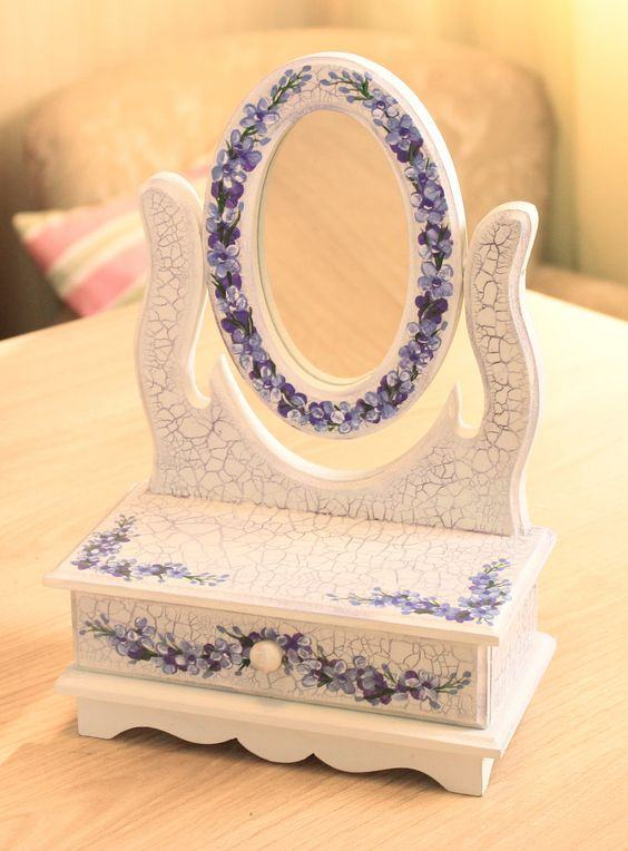 Porta bijuteria com espelho