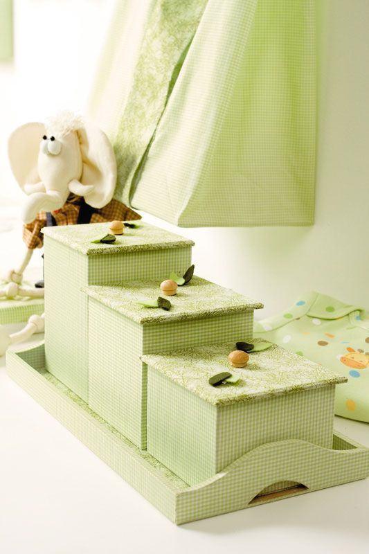 Caixas verdes para o quarto de bebê