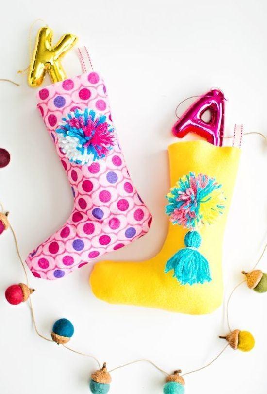 Meias coloridas para quem prefere uma decoração divertida