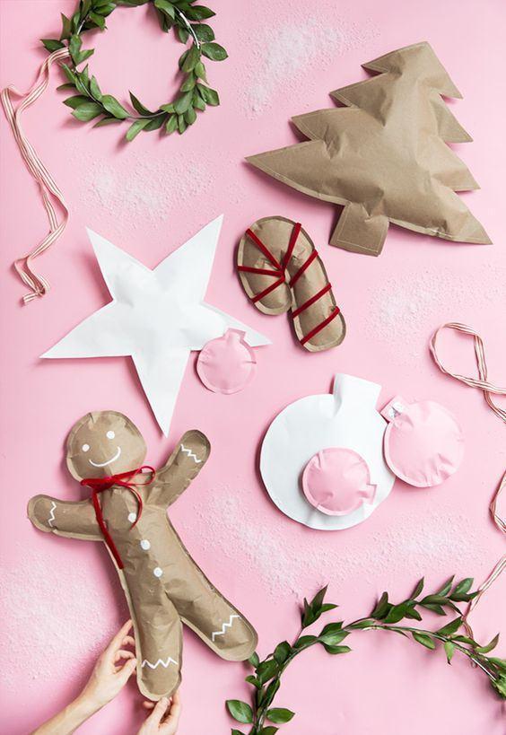 Itens decorativos de natal feitos com papelão