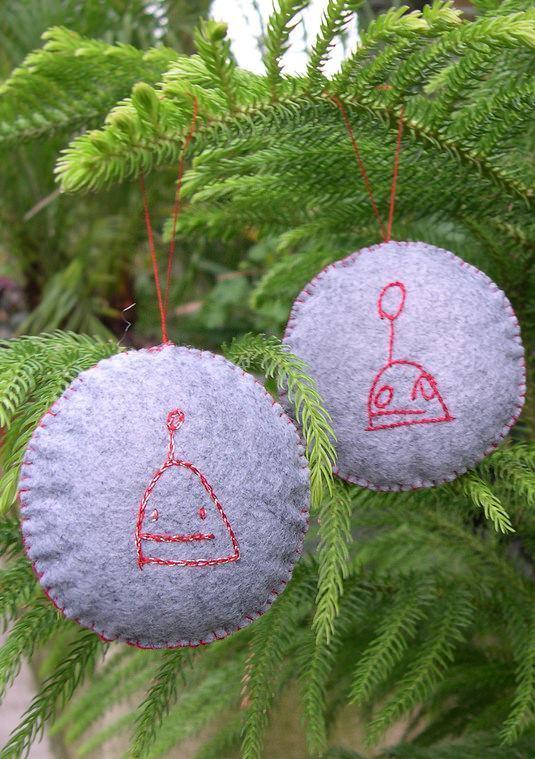 Enfeites para árvore de natal costurados em feltro
