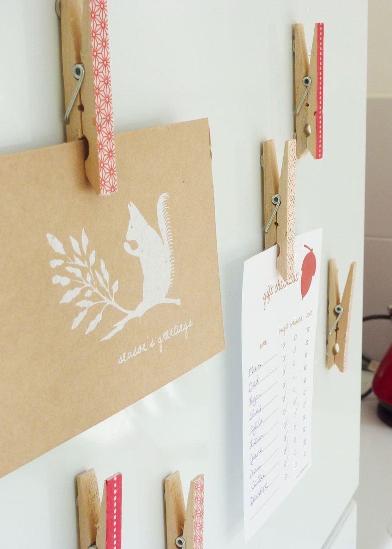 Pregadores com desenhos personalizados para prender objetos na parede