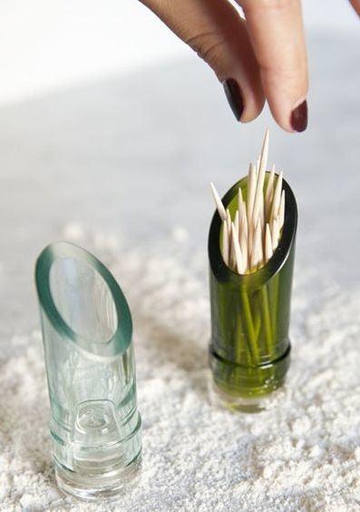 Paliteiro feito com pedaço da garrafa de vidro