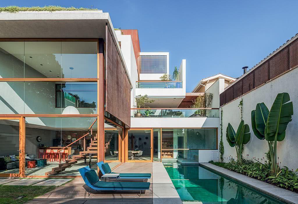 Casas com piscinas 60 modelos projetos e fotos for Modelos de piscinas cuadradas