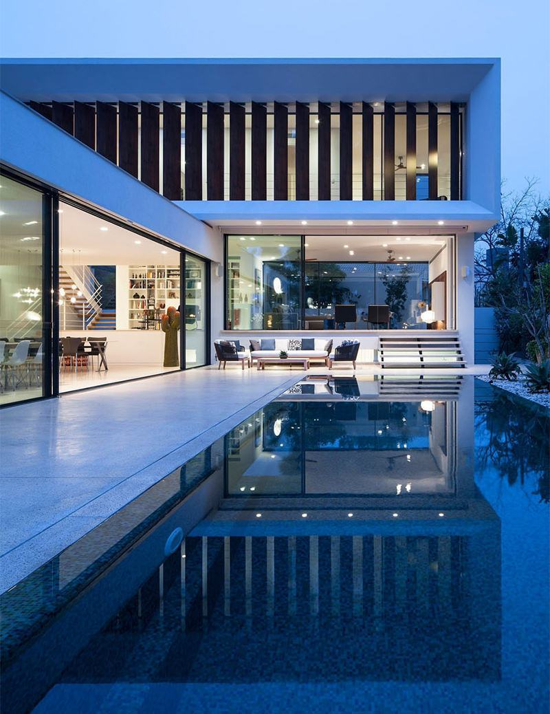 Casas com piscinas 60 modelos projetos e fotos for Modelos de frentes de casas modernas